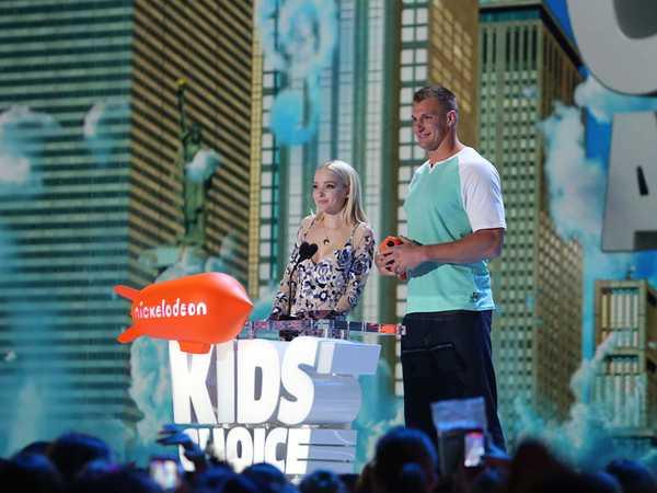 Kids' Choice Awards 2016: Dove Cameron and Rob Gronkowski Play Catch