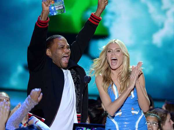 Kids' Choice Awards 2016: Anthony Anderson and Hedi Klum Get Loud
