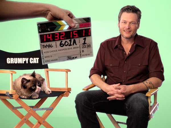"Kids' Choice Awards 2016: ""Grumpy Cat Interviews Blake Shelton"""