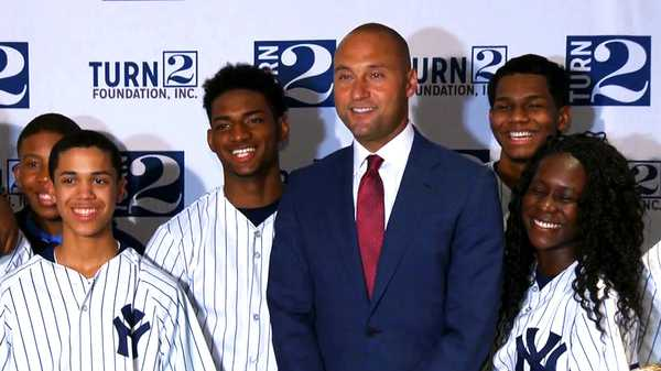 "Kids' Choice Sports 2015: ""Derek Jeter Is A Legend"""