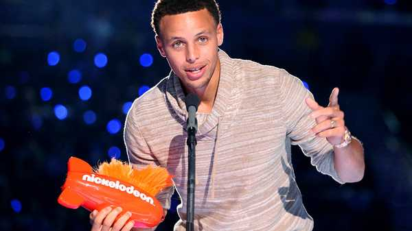 "Kids' Choice Sports 2015: ""Stephen Curry Wins Sickest Moves!"""