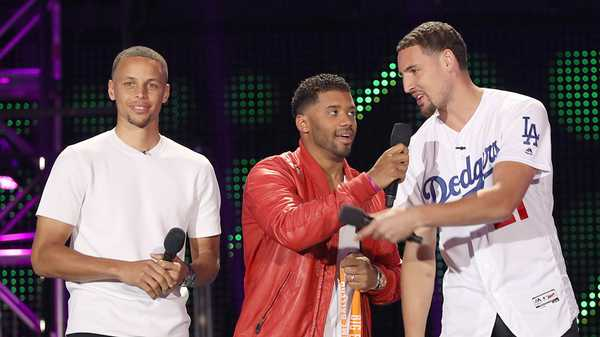 "Kids' Choice Sports 2016: ""Big Slime Ballers with Steph Curry and Klay Thompson"""