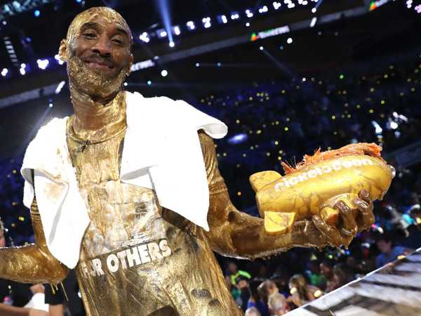 "Kids' Choice Sports 2016: ""Kobe Bryant Wins the Legend Award"""