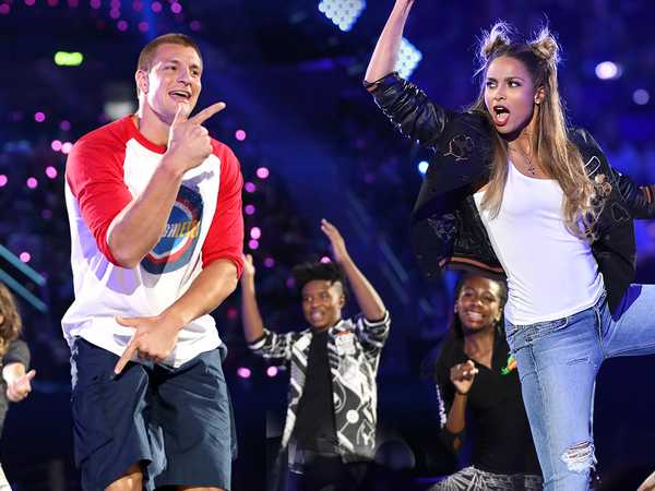 "Kids' Choice Sports 2016: ""Dance Battle with Ciara and Rob Gronkowski"""