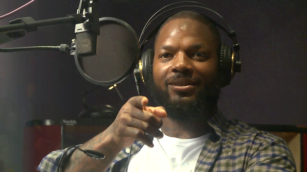 NickSports: Martellus Bennett is the Voice of Spongebob?!
