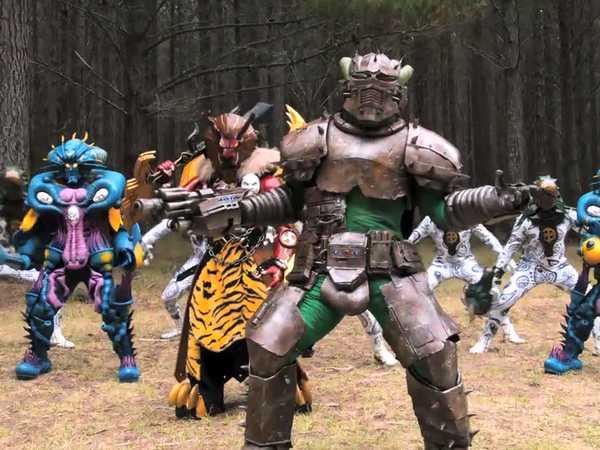 "Power Rangers Dino Charge: ""Cornered"""
