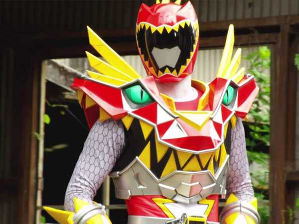 "Power Rangers Dino Super Charge: ""Out of Power"""