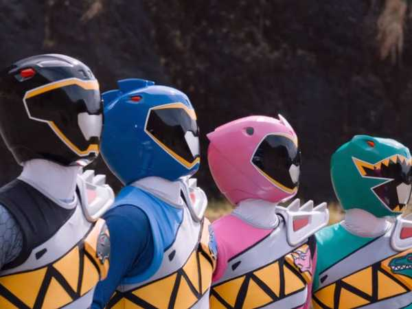 """Power Rangers Dino Charge: """"Dino Charger"""""""