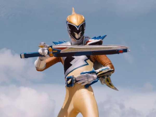"Power Rangers Dino Charge: ""Ivan vs. Fury"""