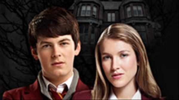"House of Anubis: ""House of Alarms: Crystal Magic"""
