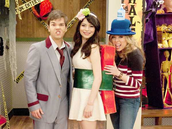 iCarly: iHalfoween Photo Album