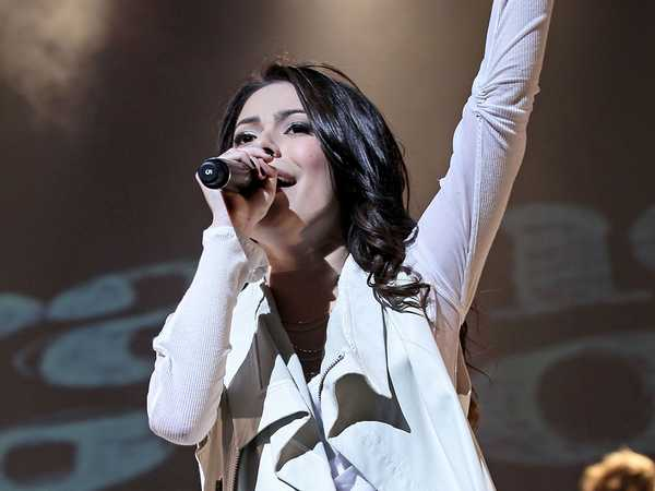 Miranda Cosgrove: Tour Pictures