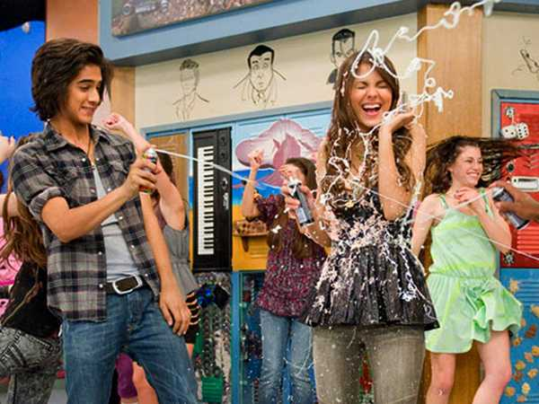 Victorious: Fun On The Set