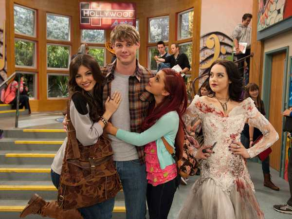Victorious: Three Girls And A Moose