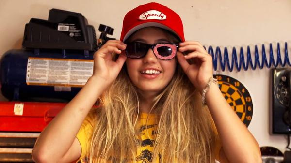 "Awesomeness TV: Random Thoughts By JoJo: ""What's In My Garbage?"""