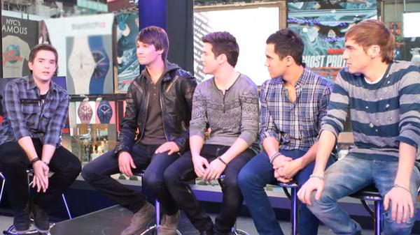 Big Time Rush: Interview at Times Square!