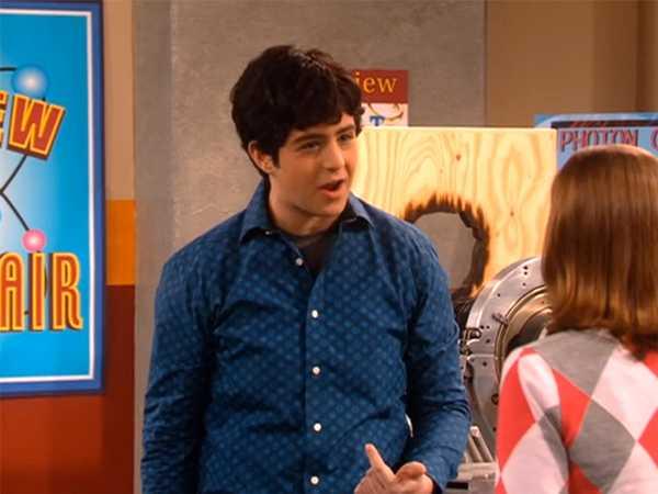 """Drake & Josh: """"Mindy Loves Josh"""""""