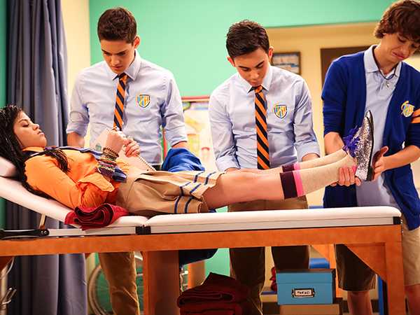 "Every Witch Way: ""Magic Fight Club"""