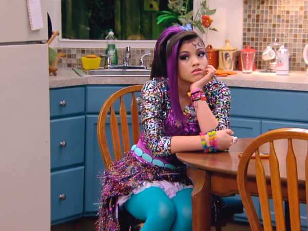 "Every Witch Way: ""The Chosen One"""