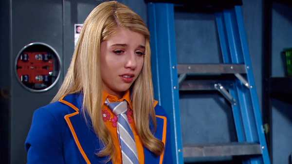 "Every Witch Way: ""Outta Hand"""
