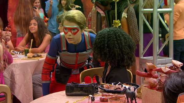 "Henry Danger: ""One Henry, Three Girls: Part 2"""