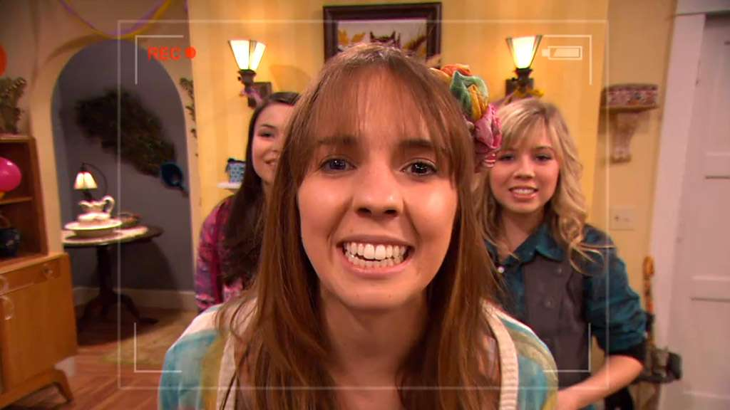 "3 Ways ""iCarly"" Predicted the Rise of YouTube Comedians"