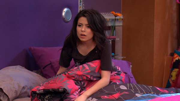 "iCarly: ""iSam's Mom"""