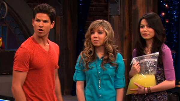 "iCarly: ""iHire an Idiot"""