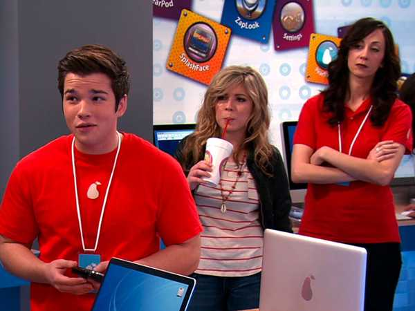 """iCarly: """"iPear Store"""""""