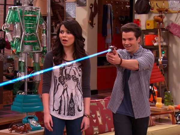 """iCarly: """"iBattle Chip"""""""