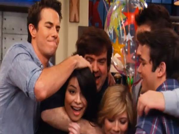 Miranda's Birthday on the Set of iCarly!