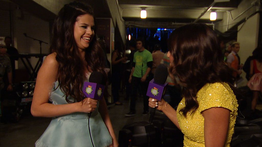 Kids' Choice Awards 2013: Backstage With Selena Gomez Video Clip | Nick Videos