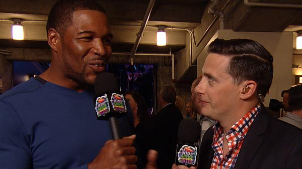 Kids' Choice Awards 2014 Backstage: Michael Strahan's Gonna' Slime Your Favorite Athletes!