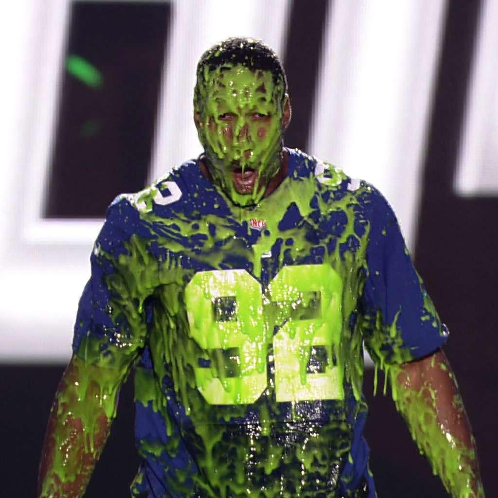 Kids' Choice Sports Awards: Strahan Gets Slimed!