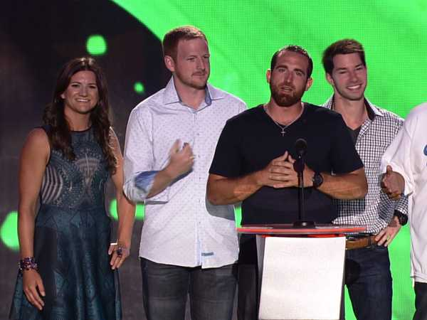 Kids' Choice Sports Awards: Dude Perfect Airs It Out!