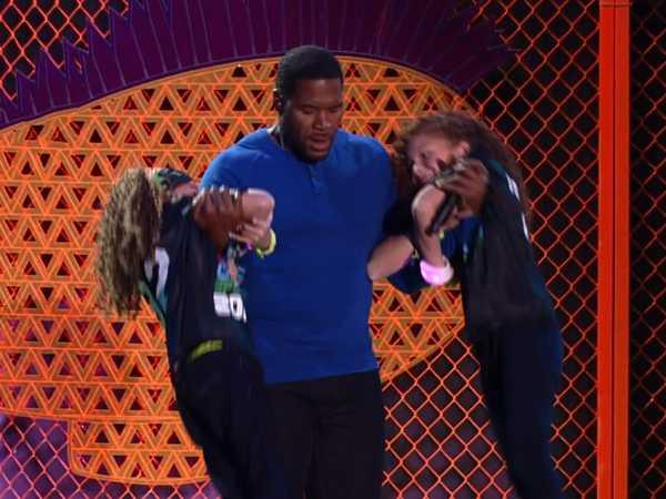 Kids' Choice Sports Awards: Strahan Workout Regiment