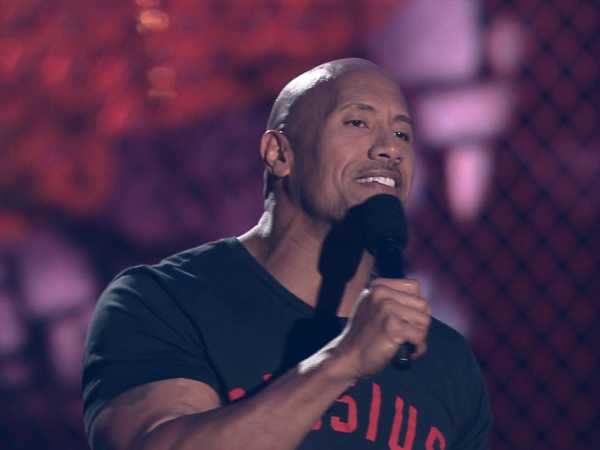 Kids' Choice Sports Awards: Dwayne Johnson Presents the Best Male Athlete!