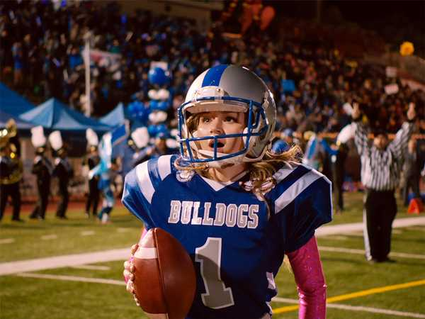"Bella and the Bulldogs: ""Biggest. Game. Ever."""