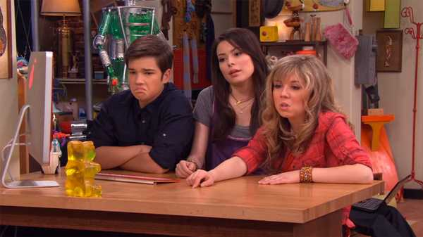 "iCarly: ""iPity the Nevel"""