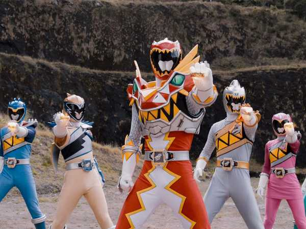 "Power Rangers Dino Super Charge: ""Freaky Fightday"""