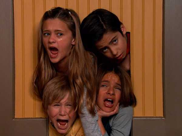 "Nicky, Ricky, Dicky & Dawn: ""Doggy Door Afternoon"""