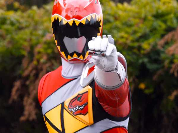 "Power Rangers Dino Super Charge: ""Besties 4Eva!"""