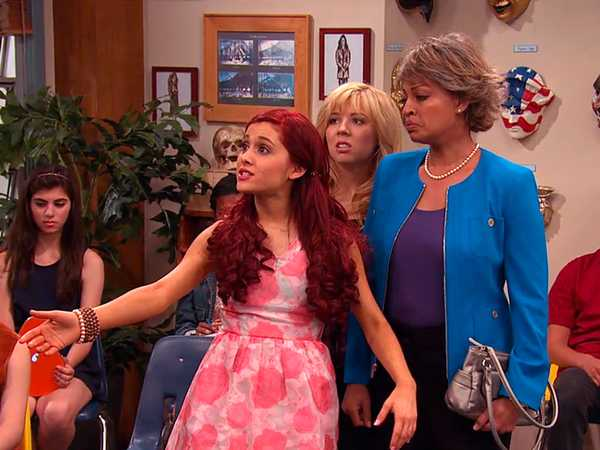 "Sam & Cat: ""#MommaGoomer"""