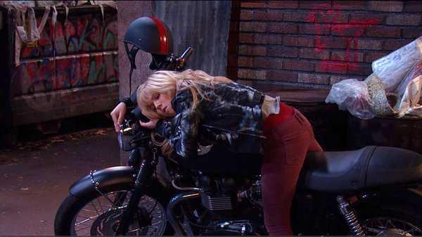 "Sam & Cat: ""#MotorcycleMystery"""