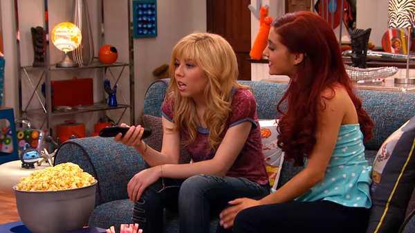 "Sam & Cat: ""#BabysittingCommercial"""