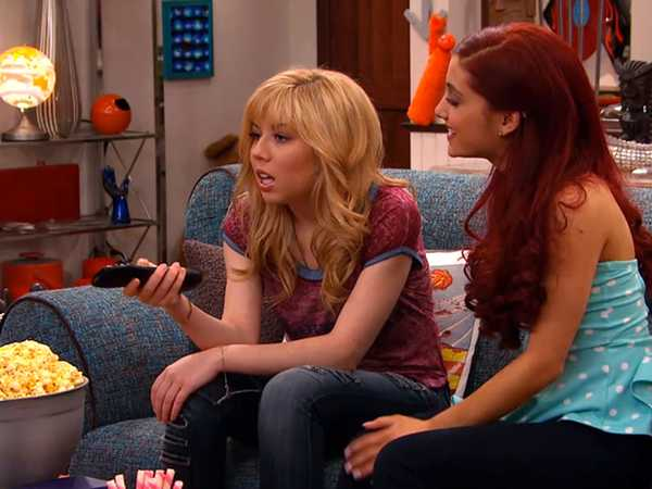 "Sam & Cat: ""#BabysittingCommercial"""
