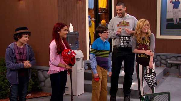 "Sam & Cat: ""#OscarTheOuch"""