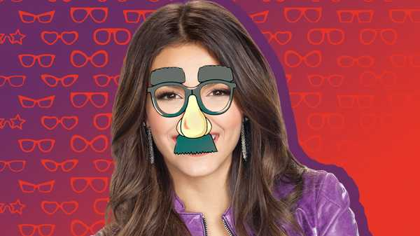 Victoria Justice on Glasses!