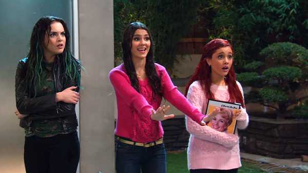 "Victorious: ""Car, Rain & Fire"""