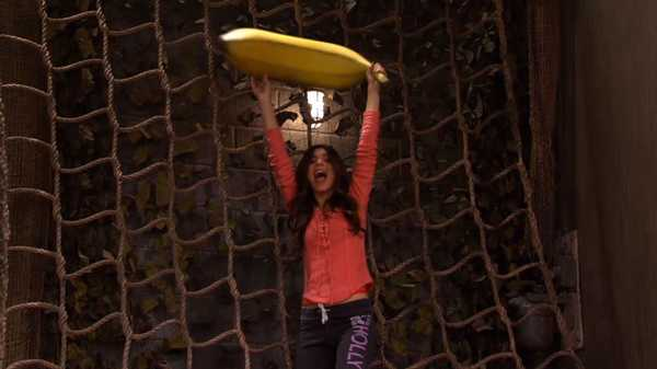 "Victorious: ""The Gorilla Club"""
